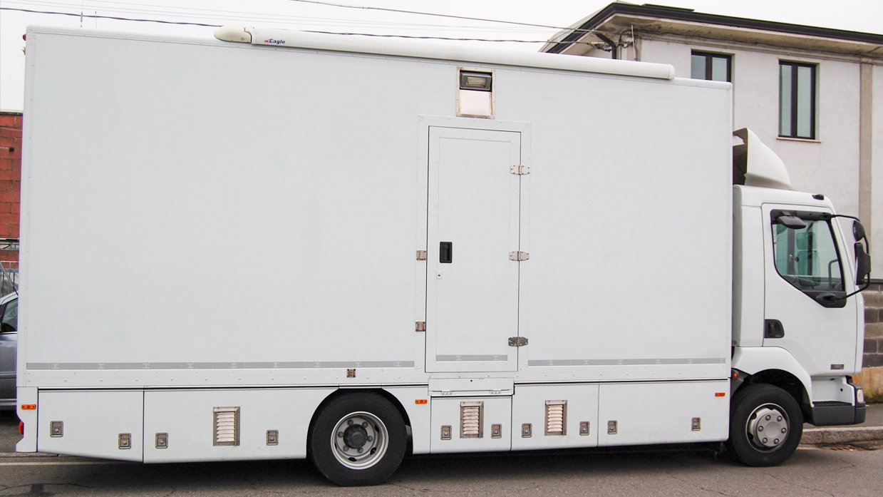 SIX-CAMERA RIGID CHASSIS HD OB TRUCK